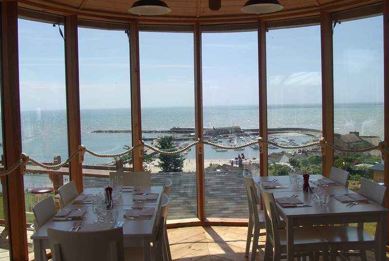 Hix Oyster & Fish House overlooking the Cobb at Lyme Regis is a perfect holiday treat. Classic Cottages guests can enjoy a 10% discount until 28th March 2018, using the leaflet in the cottage.