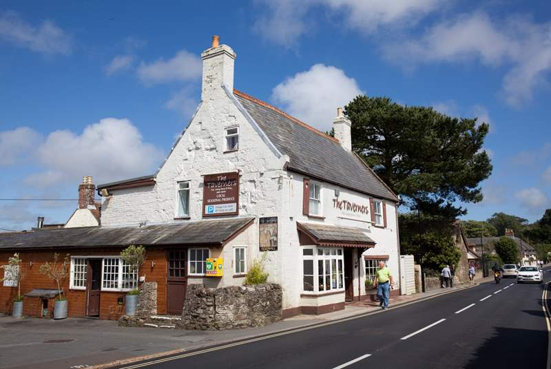 The village of Godshill has plenty of lovely pubs, restaurants and cafes to choose from.
