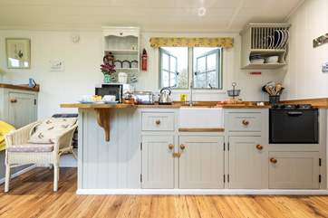 The kitchen-area is well-equipped for all of your glamping holiday needs.