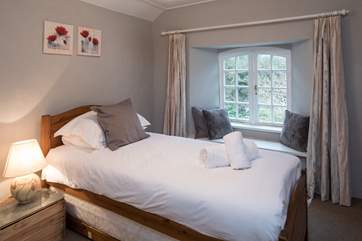 Bedroom 4 offers this very inviting single bed which can be converted into a twin room should you have an eighth guest in your party.