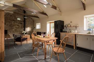 Room to cook, room to dine, all with under-floor heating to keep you toasty.