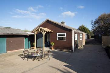 The Stables is one of two converted barns, why not rent the barn next door and bring more of the family?