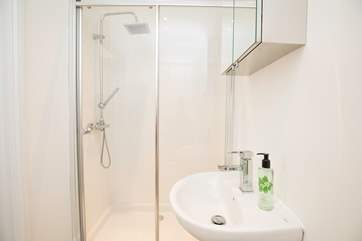 The en suite shower-room off the twin bedroom, avoiding those bathroom queues in the morning.