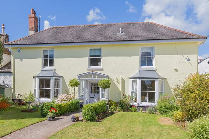 Glenside House,Sleeps 11 + 2 cots, Shaldon