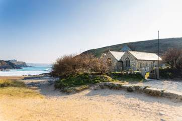 The little church at Church Cove, made famous by the BBC series Poldark, is a few minutes down the road, with National Trust parking nearby.