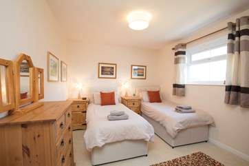 The delightful twin bedroom.