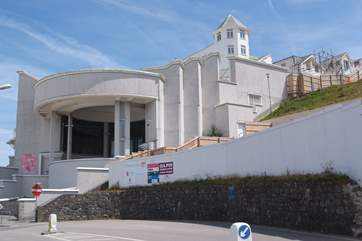 A four mile hike along the cliffs takes you to the Tate St Ives.
