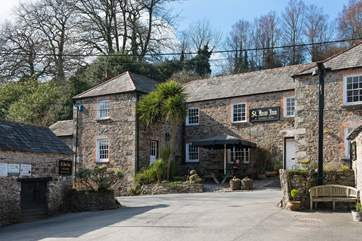 Walk down the country lane to the renowned St Kew Inn -  you won't be disappointed.