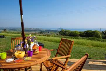 This must be one of the best al fresco dining views in Cornwall!