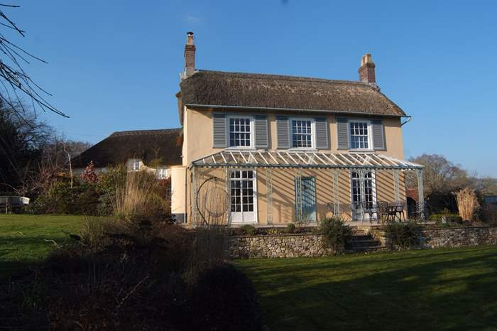Champerty,Sleeps 14 + 2 cots, 7.5 miles NW of Lyme Regis