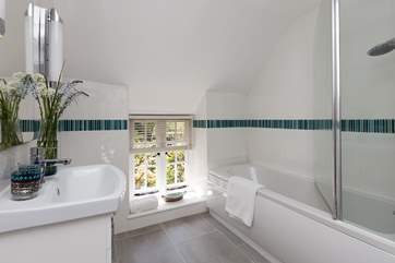The cottage also has this family bathroom, shared by the twin bedroom