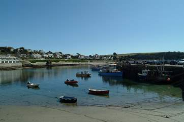 There is a daily ferry service from St Mawes to Falmouth.
