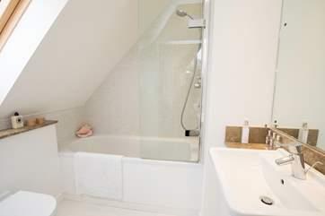 The master bedrooms en suite for an uninterrupted relax in a hot bath.