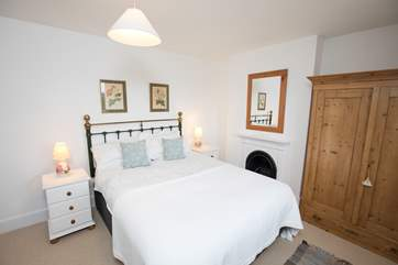There are four delightful bedrooms to choose from at Keepers Cottage.