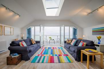 Another WOW factor with the most spectacular sea views from the first floor sitting-room and balcony.