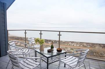 With lots of shipping activity across the Solent this balcony is splendid all year round.