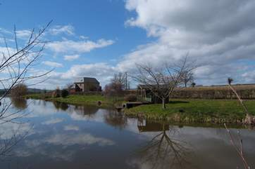 This photo gives you the best idea of how the property is situated, with its dedicated lake and grounds.