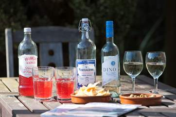 Finish the day with a glass of something nice in the garden, enjoying the long lasting Isle of Wight sunshine.