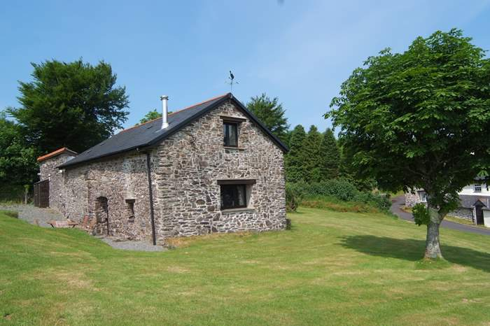 Woodbine Barn,Sleeps 4 + cot, 5.4 miles NE of Barnstaple