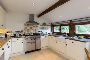 Another view of this excellent kitchen - equipped as a real home-from-home.