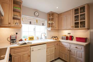 Fully equipped and ready to go you can happily cook up a storm in this kitchen, should you wish to of course!