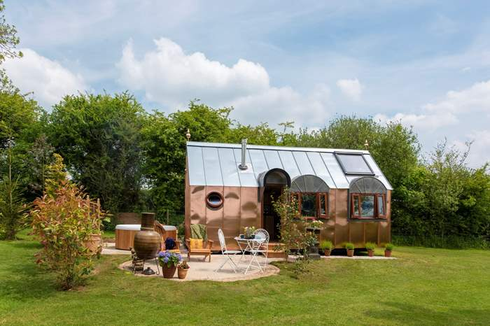 The Observatory at Frieda and The Moon,Sleeps 2 + cot, 4.7 miles NW of Looe