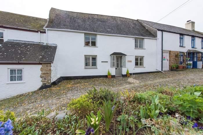 Pendower House,Sleeps 5 + cot, 1.7 miles N of Mousehole