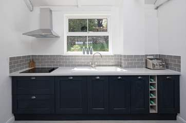 This modern and fully equipped kitchen makes cooking in the annexe a real treat.