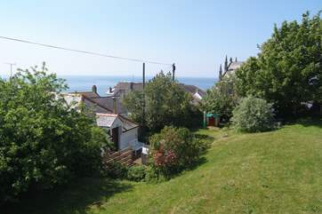 Sea views from the huge enclosed garden, plenty of room to play and for your four legged friend to run.
