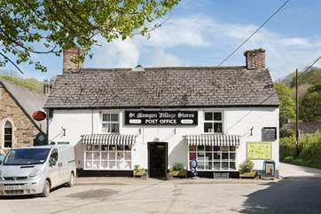 You can walk to the village shop to buy the morning paper or perhaps treat yourself to a cream tea in the tea rooms.