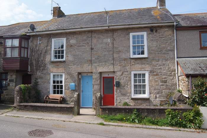 Tickle Cottage,Sleeps 3 + cot, 1.8 miles E of Marazion