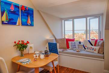 Bright and airy throughout and tastefully furnished, this makes for a super romantic getaway.