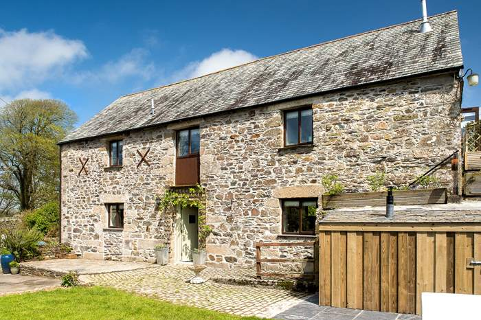 Manor Barn,Sleeps 8 + 2 cots, 5.2 miles NE of Wadebridge