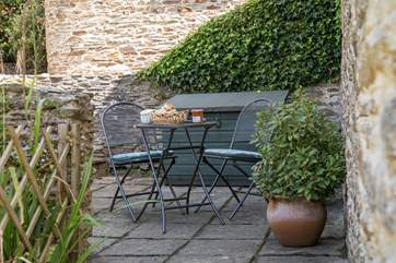Jays Cottage has a delightful second patio. Perfect to ensure that you have sun all day long.
