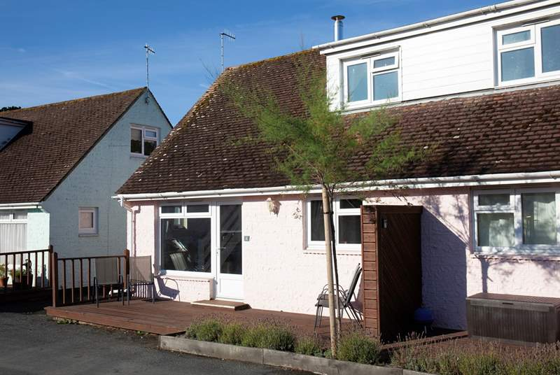 The semi-detached cottage is only setps from the beach and a short walk to the village of Seaview.