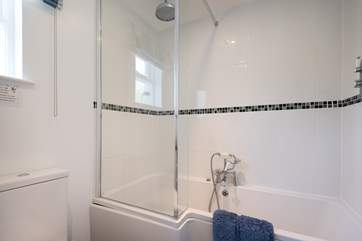 The family bathroom on the first floor, time for a bubble bath.
