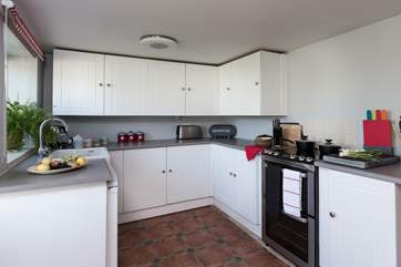 A final view of the kitchen so that you can see its layout.