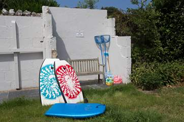 There is a useful outbuilding where you will find body boards and toys for the beach to borrow.