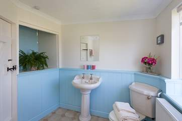 This is the cheerful family bathroom on the first floor with the bedrooms.