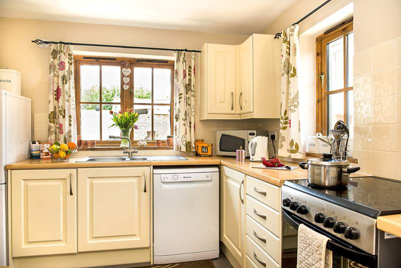 The pretty country kitchen/breakfast-room.