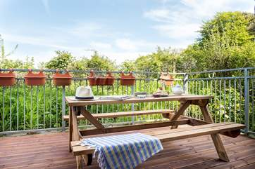 ...or make the most of the Cornish sunshine and take your meals on the balcony that leads off from the sitting/dining-room.