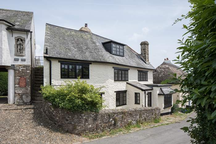 Cottages near Carpenters Arms