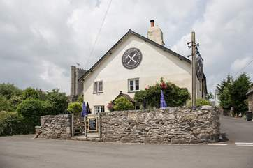 This pretty pub and restaurant is just yards away. The perfect spot for a bite to eat in the sun.