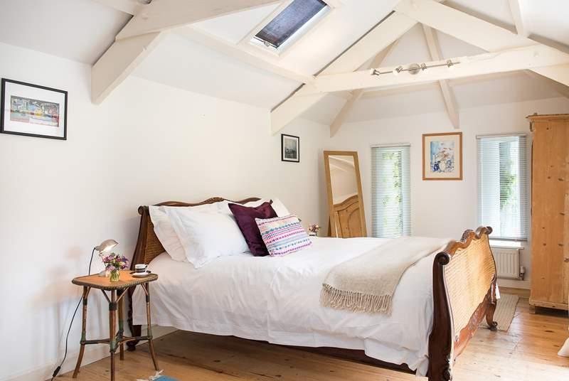 The pretty bedroom.