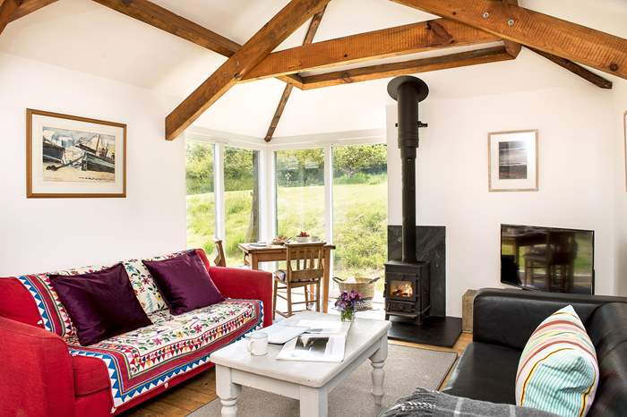 Goose Barn,Sleeps 2 + cot, 1.7 miles E of Boscastle