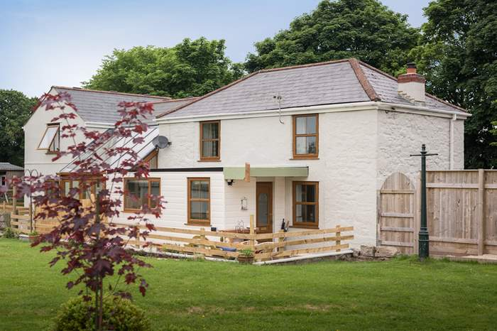 Little Four Fields,Sleeps 4 + cot, 5.5 miles NW of Falmouth