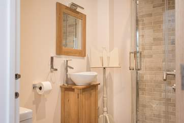 The en suite to one of the double bedrooms.