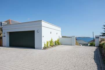Pull up and park in this large parking-area, and prepared to be wowed by the most amazing property and location. Enjoy!