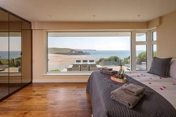Imagine waking up to such a sight. The master bedroom boasts a king-size bed and an unbeatable view.