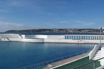 The outdoor Jubilee swimming pool in Penzance, the cycle path which runs parallel to the beach, will get you there in 20 minutes.